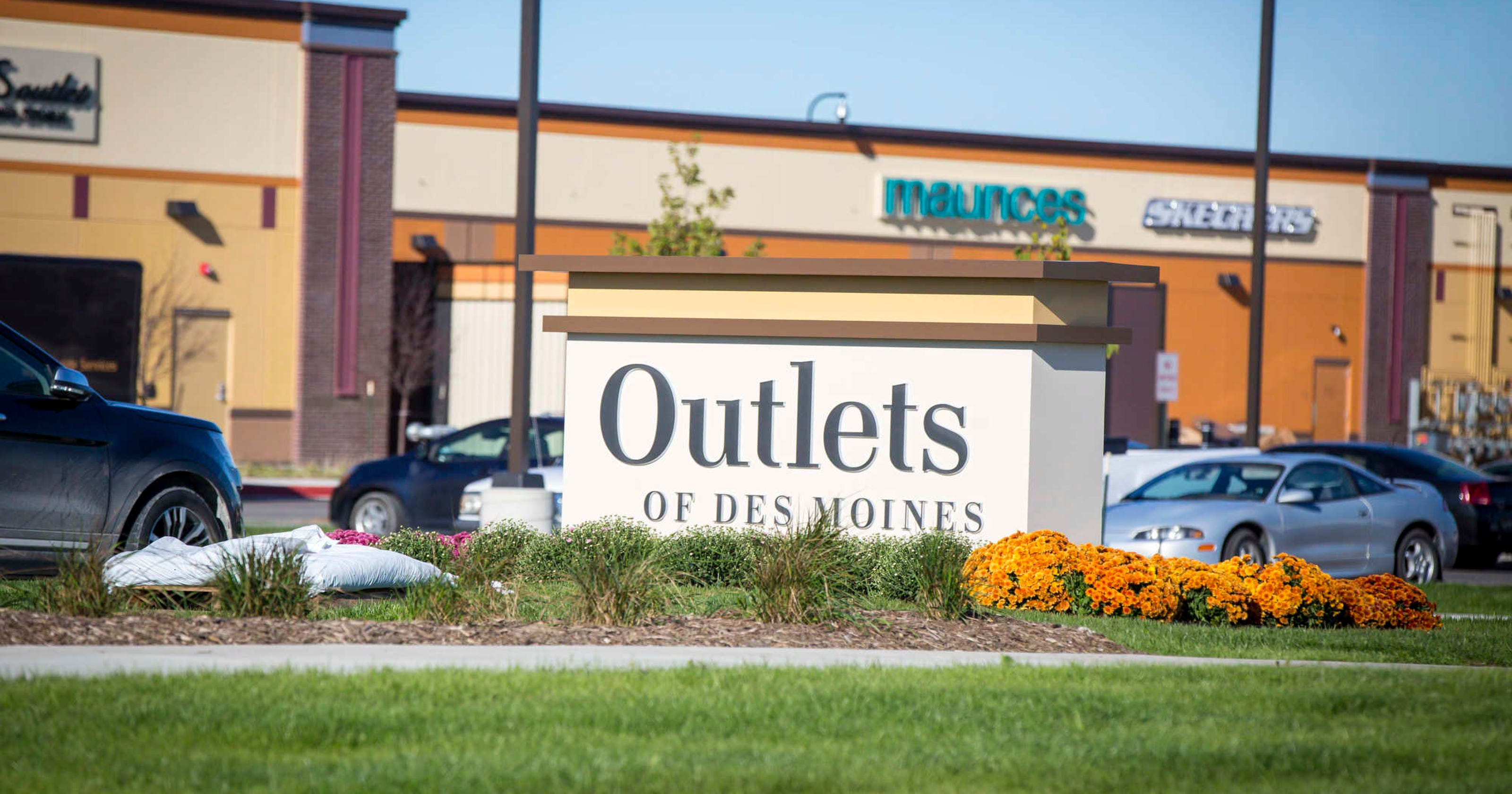 762e392399 Altoona outlet mall  Lucky Brand Jeans to open in May