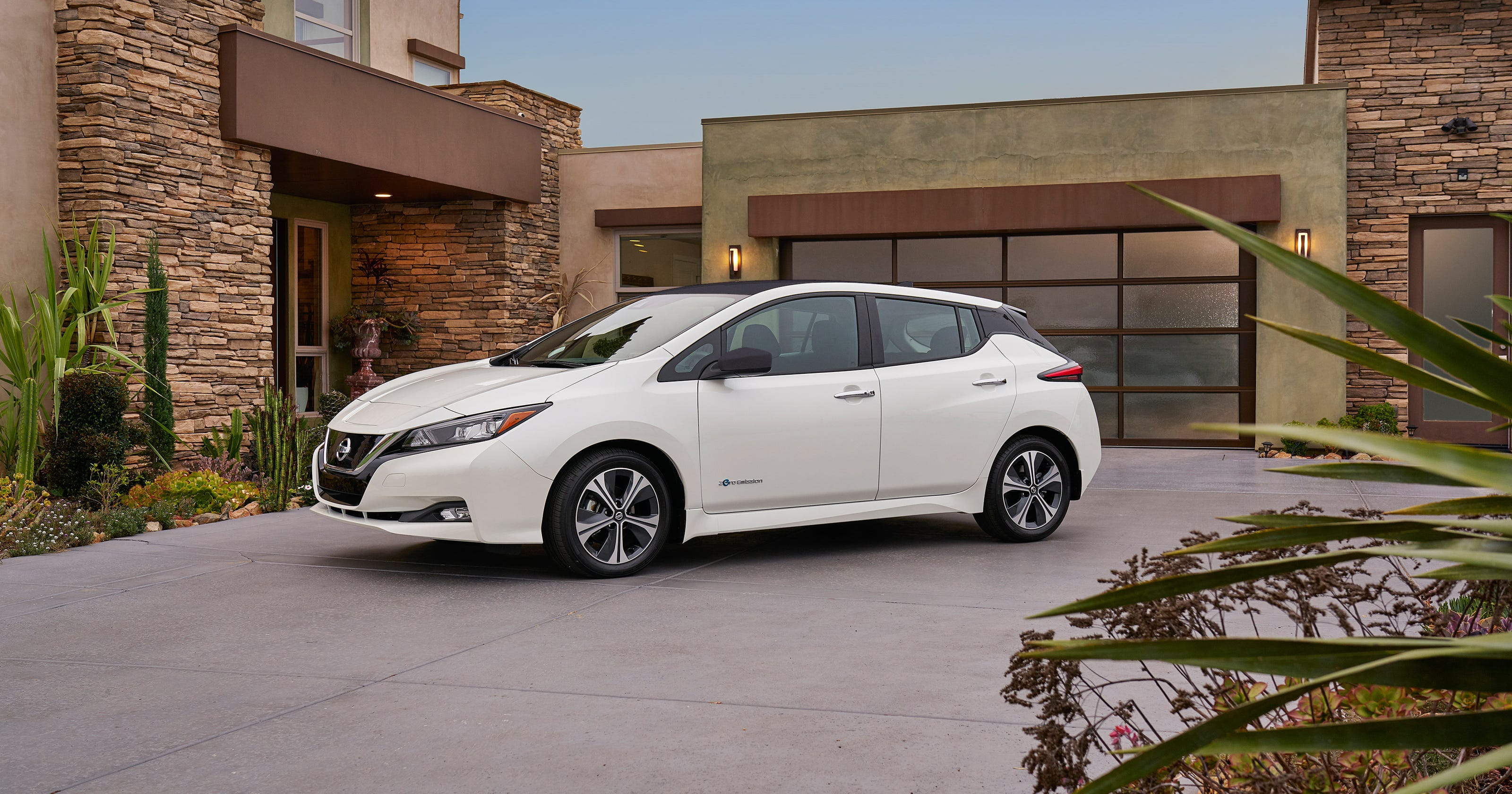 Nissan Turns Over New Leaf But The Electric Car S Range Is An Issue
