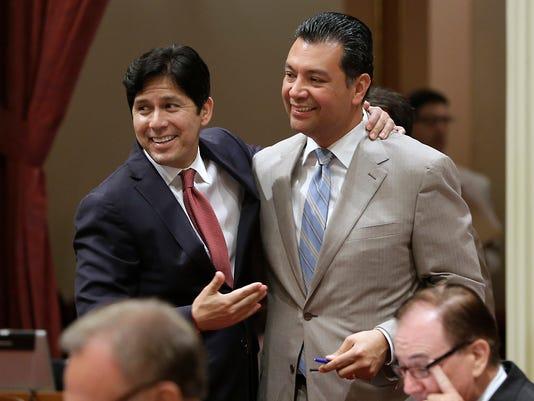 Senators Kevin de Leon and Alex Padilla