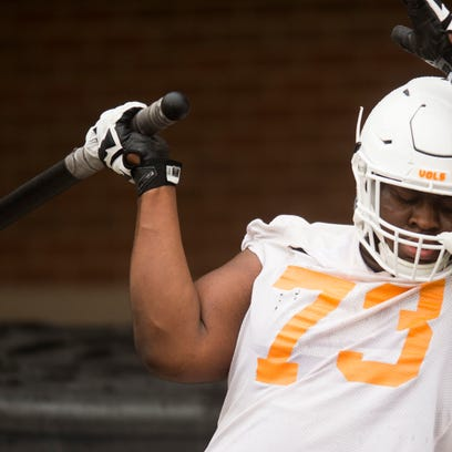 Vols football opens spring 'short on healthy people' on offensive line