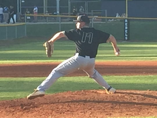 Andrew Threatt pitches against University Heights (Ky.)