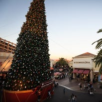 Los Angeles outlet mall defeats Sparks Nugget Casino's 'tallest Christmas tree in America'