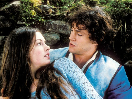 (L-R) Anne Hathaway and Hugh Dancy in a scene from the motion picture Ella Enchanted.