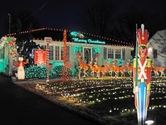 Vineland's Christmas Lights Contest