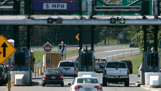 New York State Thruway toll collectors will begin accepting cash payments starting at 11:59 p.m. Wednesday, June 3.