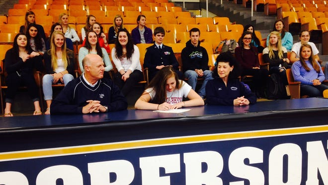Roberson's Kathryn Sizemore has signed to play college volleyball for Lenoir-Rhyne.