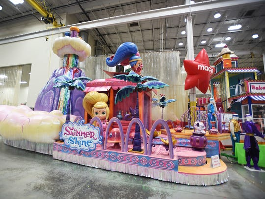 "One of five new floats, ""Shimmer and Shine"" by Nickelodeon,"