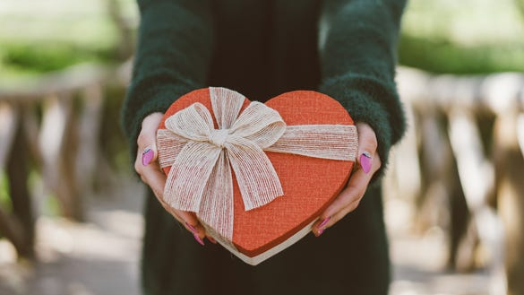 10 last-minute Valentine's deals that will arrive on
