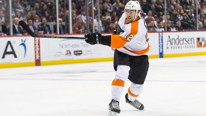 Michael Raffl signed a three-year extension with the Flyers Sunday.
