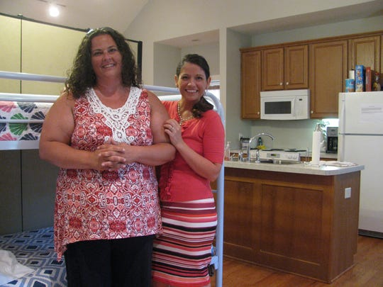 Lindsay Whisenant (left), the first mother to go through