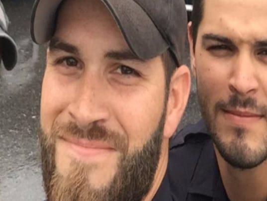 Viral photo of attractive Florida cops