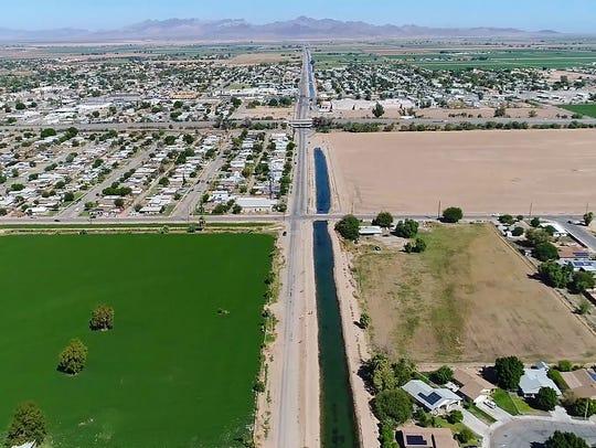 Farmland surrounds the city of Blythe near the California-Arizona