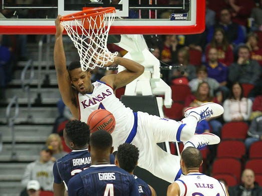Kansas guard Wayne Selden Jr. drops a big dunk against
