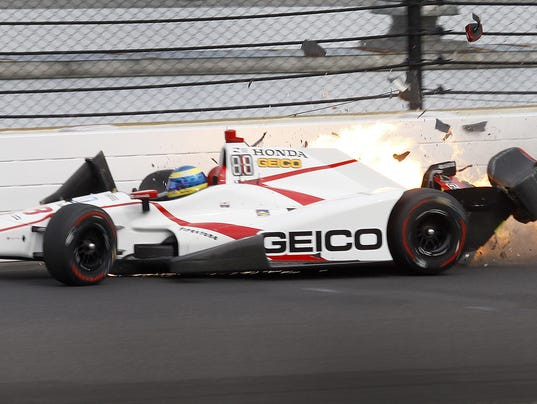 sebastien bourdais suffers broken pelvis in indy 500 qualifying crash. Black Bedroom Furniture Sets. Home Design Ideas