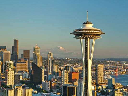 XXX IMG_1_SPACE_NEEDLE_ON_TH_1_1_VTM2KRS2.JPG