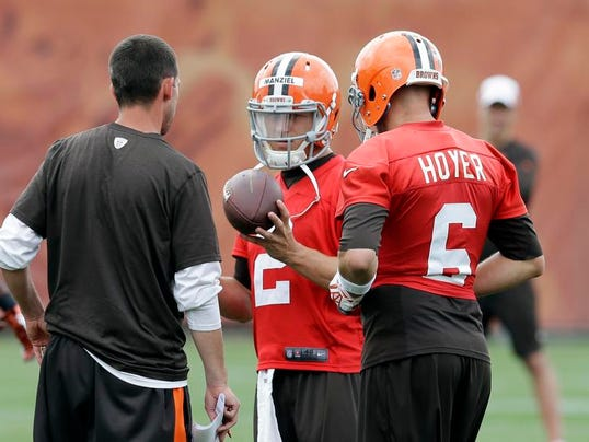 MNCO 0625 Most NFL Rookie QBs will start season on bench.jpg