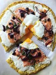 Lara Dominianni posts pics of healthful food, like