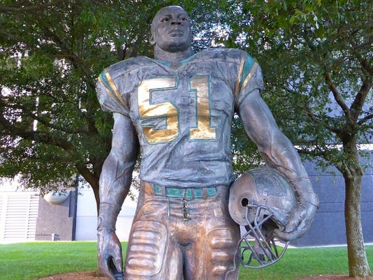new style e9e56 28d36 WATCH: Sam Mills still larger than life as Super Bowl 50 looms