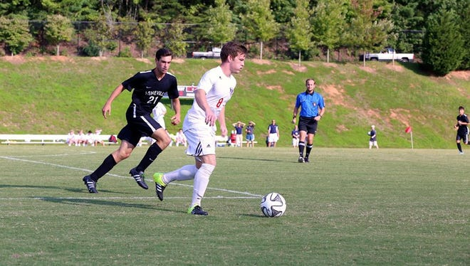 Carolina Day senior Austin Howard has committed to play soccer soccer for Denison (Ohio).
