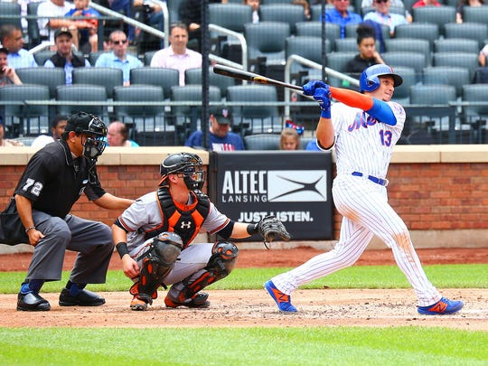 New York Mets second baseman Asdrubal Cabrera (13)