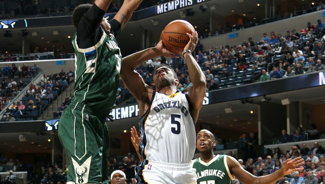 Memphis Grizzlies Andrew Harrison shoots during the game against the Milwaukee Bucks at FedExForum.