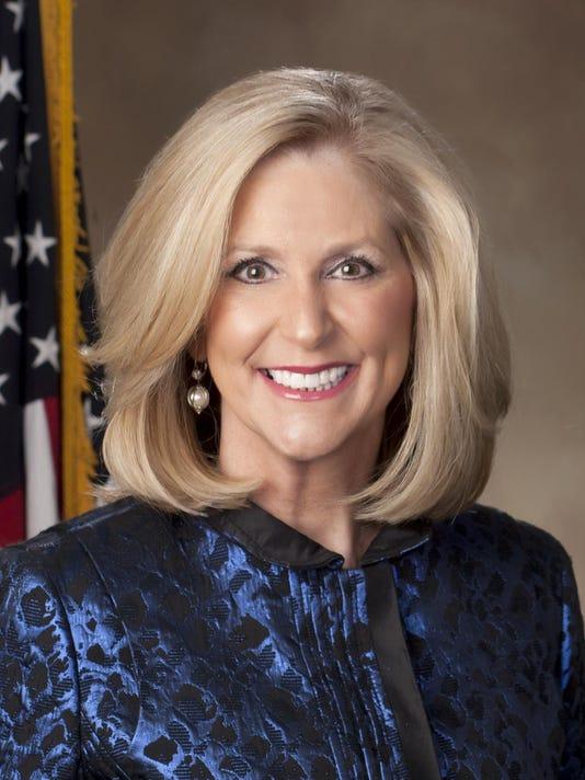 Lynn Fitch