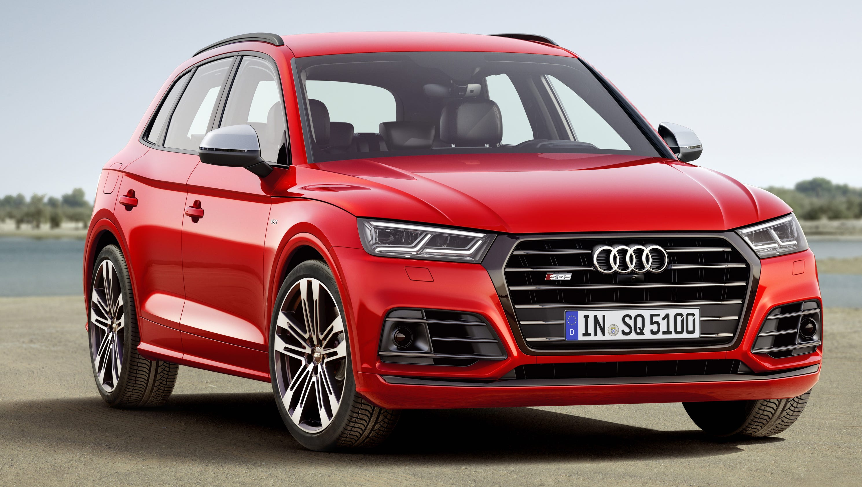 review audi 39 s sq5 blazes new suv trails. Black Bedroom Furniture Sets. Home Design Ideas