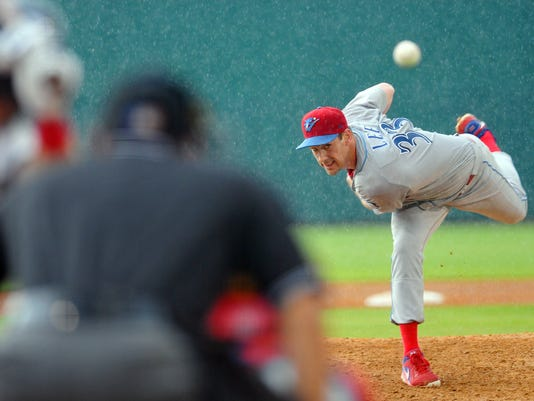 PHILLIES PITCHER CLIFF LEE CR 3832.jpg