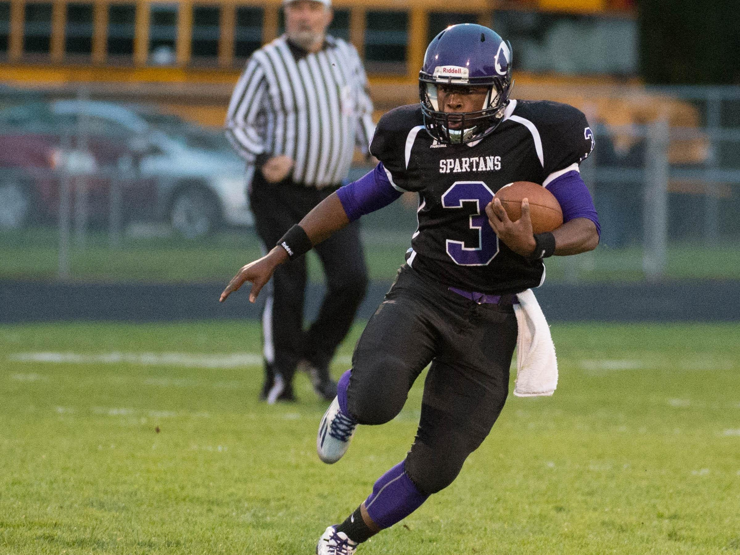 Lakeview's Jay'Vion Settles advances the ball against Kalamazoo Central Friday evening.