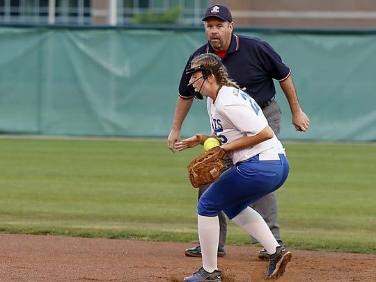 Williamsburg second baseman Madi Ogden stops a North