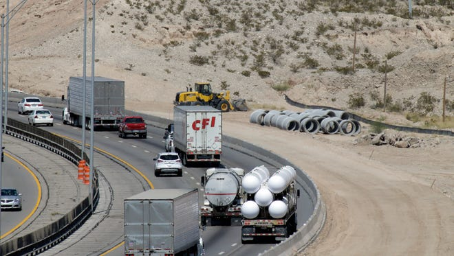 Construction along Interstate 10 continues.