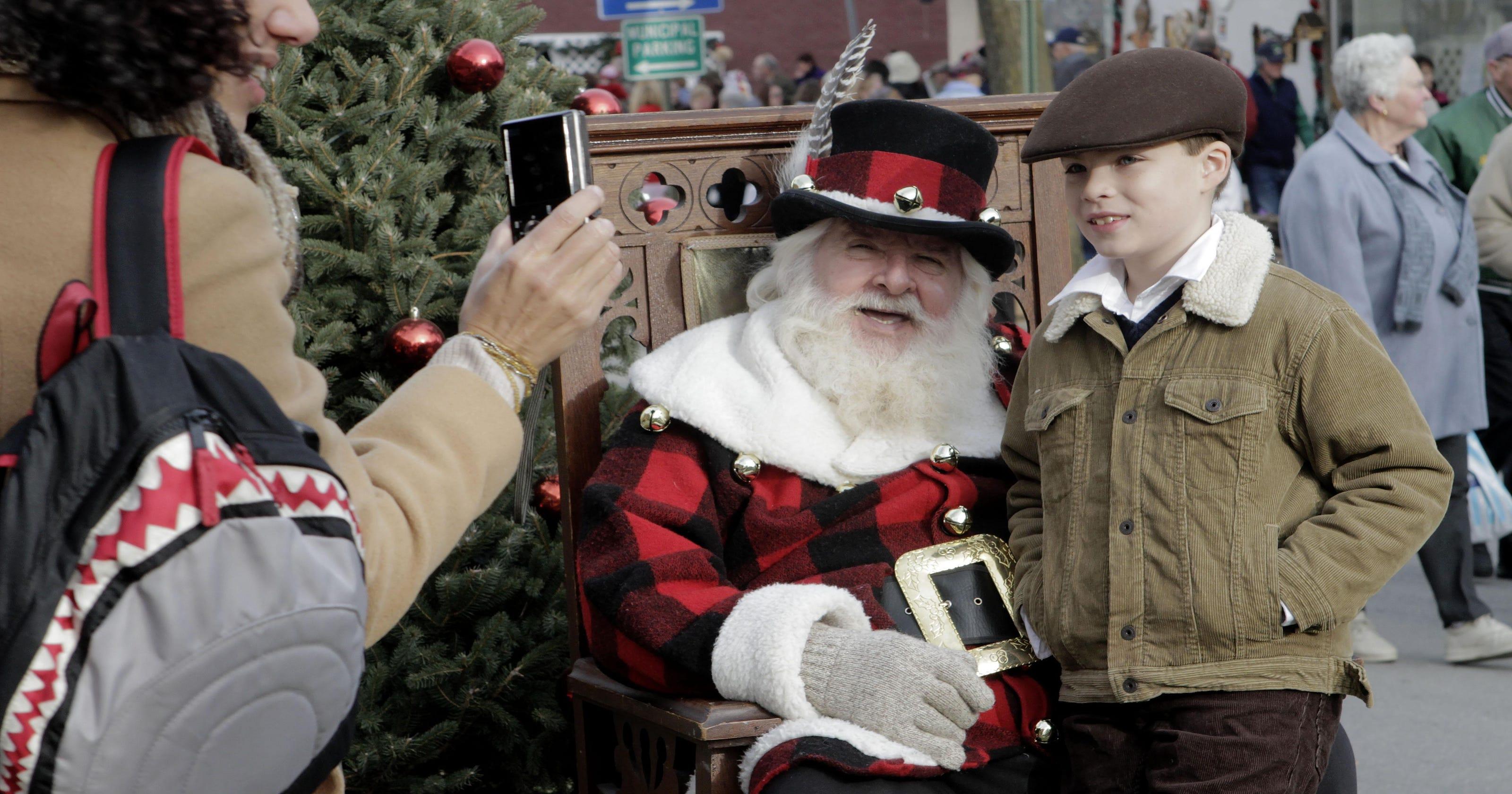 wellsboro decks the halls for dickens of a christmas