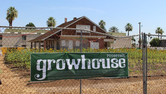 The garden at the Knipe House in downtown Phoenix, run by the Roosevelt Growhouse, is a temporary arrangement that was approved this February. Neighbors say it improves the look of the street.