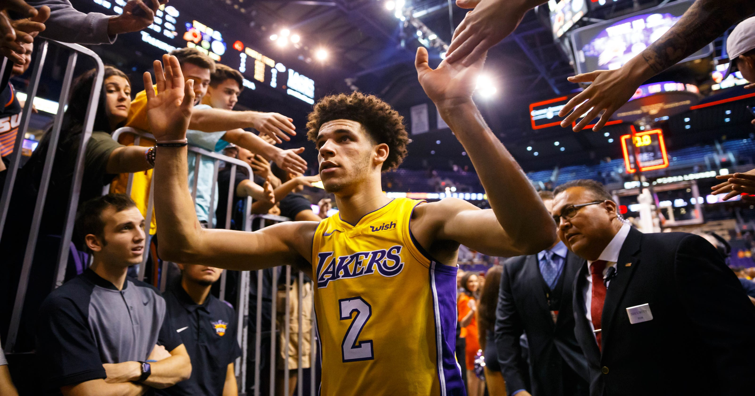 912af19868a Lonzo Ball flirts with triple-double as L.A. Lakers beat Phoenix Suns