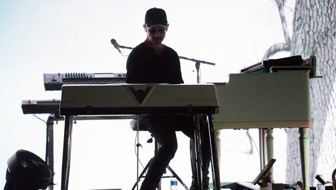 John Ginty, whose credits as a keyboard player include Robert Randolph's Family Band, will co-headline a benefit concert this Sunday at the Stanhope House.  Also on the bill is the Shockenaw Mountain Boys, composed of members of Railroad Earth.  The show will raise funds for NJArts.net, a Web site that promotes the arts throughout the state.