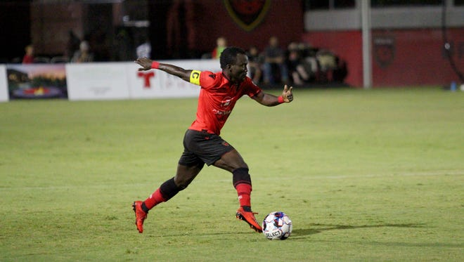 Phoenix Rising's Solomon Asante controls the ball against Rio Grande Valley at Phoenix Rising Soccer Complex on Sept. 5, 2018.