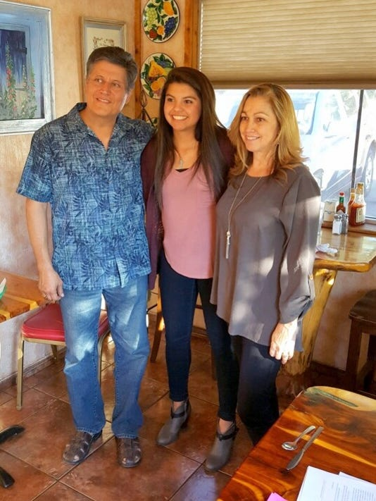 Christina Fragoso received scholarship