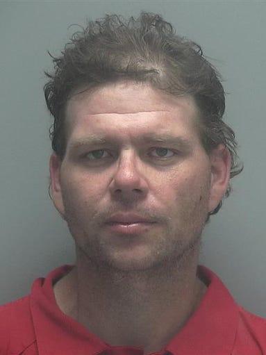 Lee county arrests 8 2 for Global motors fort myers florida