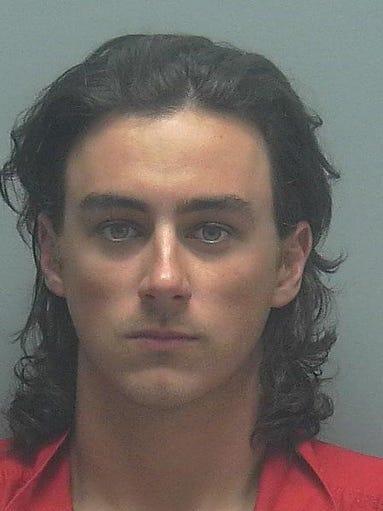 Lee county arrests 10 20 for Global motors fort myers florida