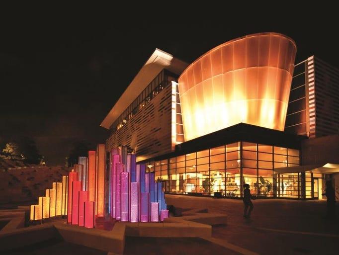 Muhammad Ali Center – Louisville (Beyer Binder Belle):