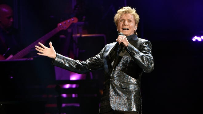 Barry Manilow performs at the Allstate Arena in Rosemont, Ill.