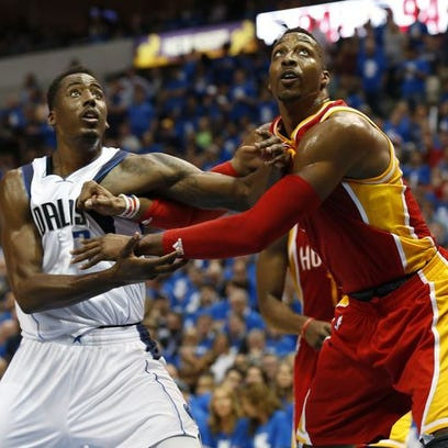 Game 3 in Dallas: Mavericks vs. Rockets — Houston center