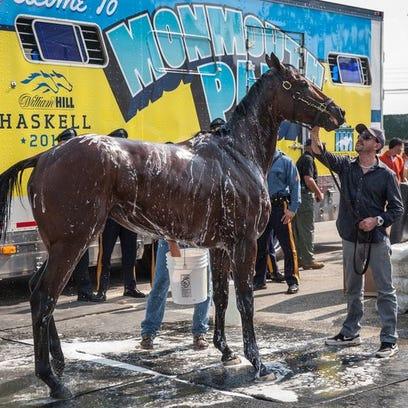 Triple Crown winner American Pharoah arrives a Monmouth