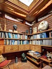 Haefner Photo - Smith House - Interior - Books