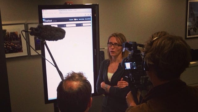 Anjanette Delgado talks about Chartbeat's live analytics Oct.10 during the filming of 'Vers un monde sans papier' in the lohud newsroom in White Plains. The documentary airs Tuesday on Arte TV in Europe.