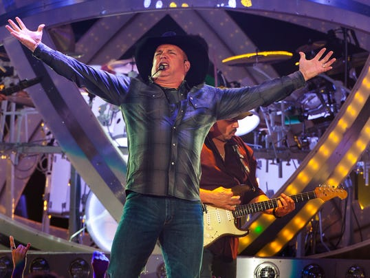 Garth Brooks In Concert - Rosemount, IL