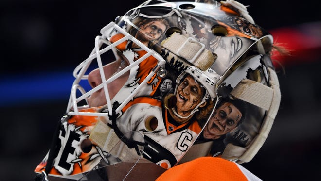Steve Mason made 39 saves against the Blackhawks in defeat.