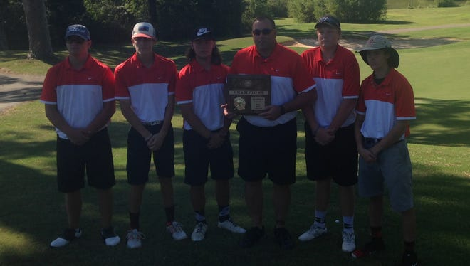 Lexington boys won the District 14 A-AA title with a team score of 354.