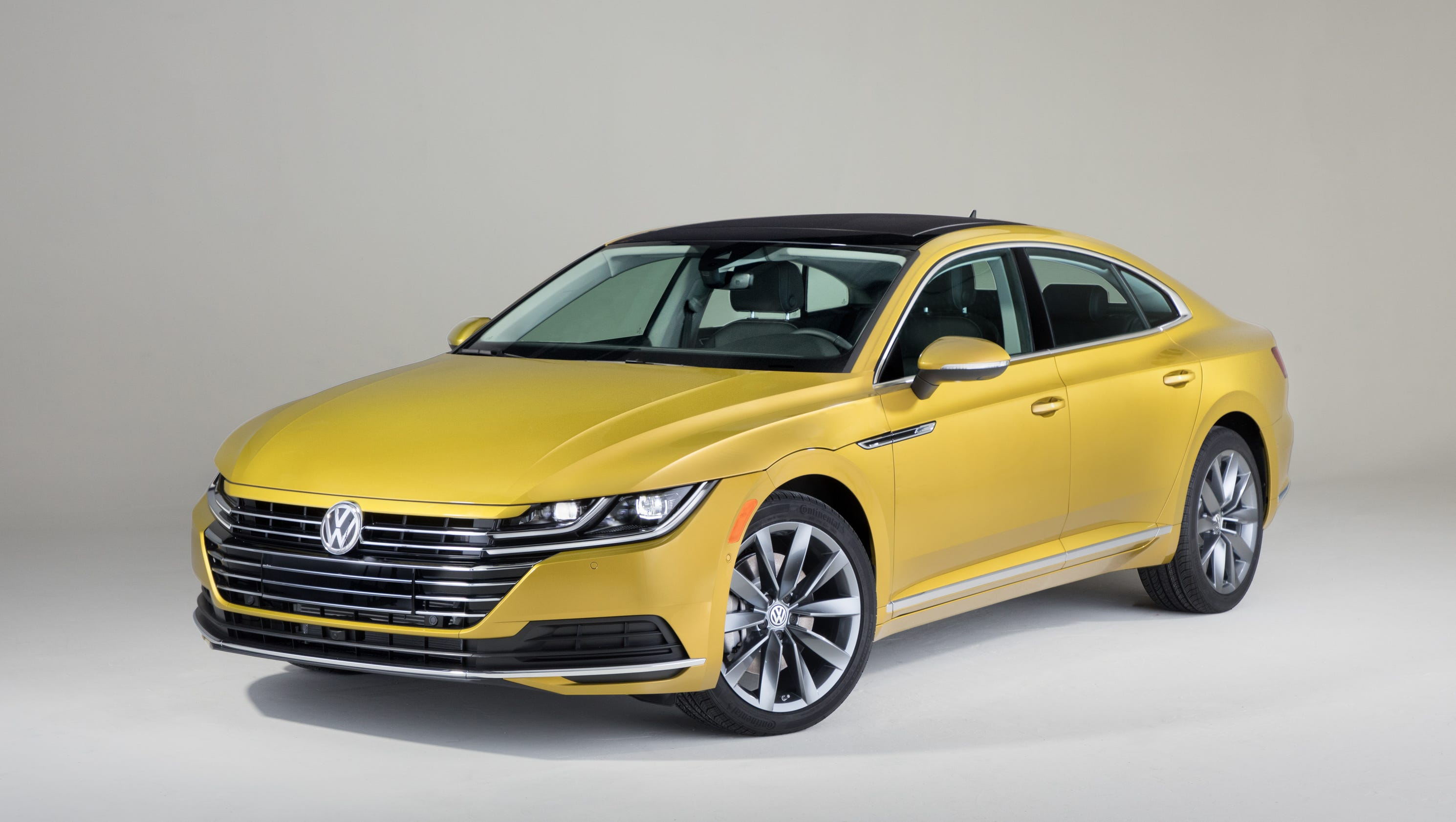 chicago auto show volkswagen reveals 2019 arteon mid size car to replace cc. Black Bedroom Furniture Sets. Home Design Ideas