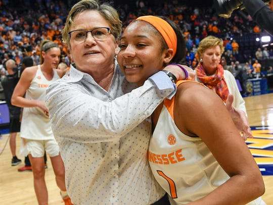 Tennessee Lady Volunteers head coach Holly Warlick